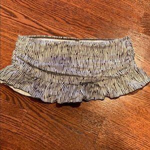 Kenneth Cole super cute bikini skirted bottom
